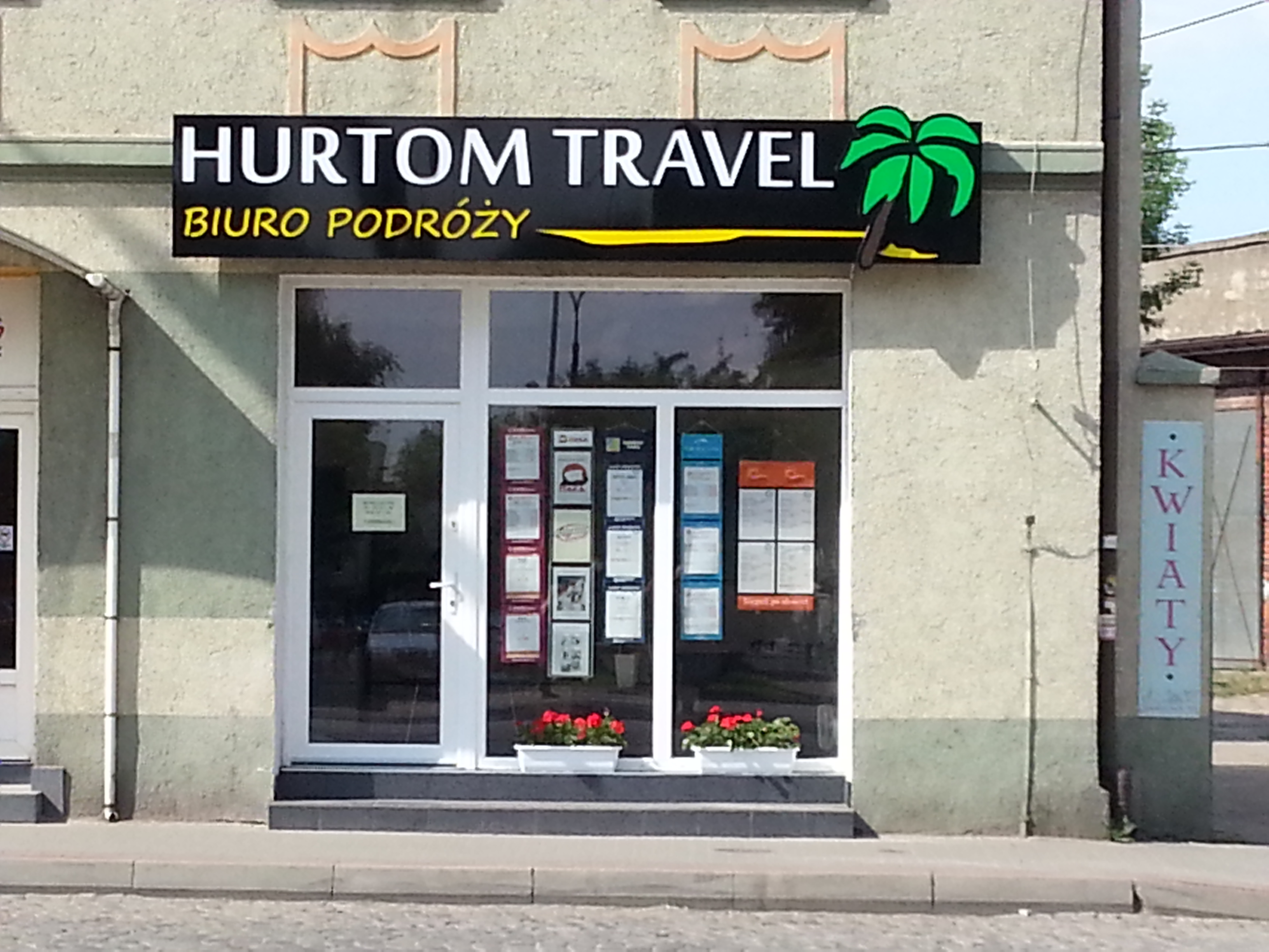 Hurtom Travel