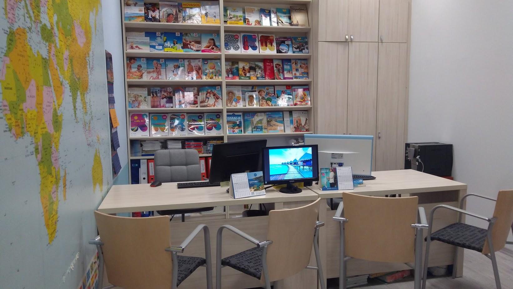 Biuro Podróży Happy Travel - Centrum handlowe ATRIUM MOLO