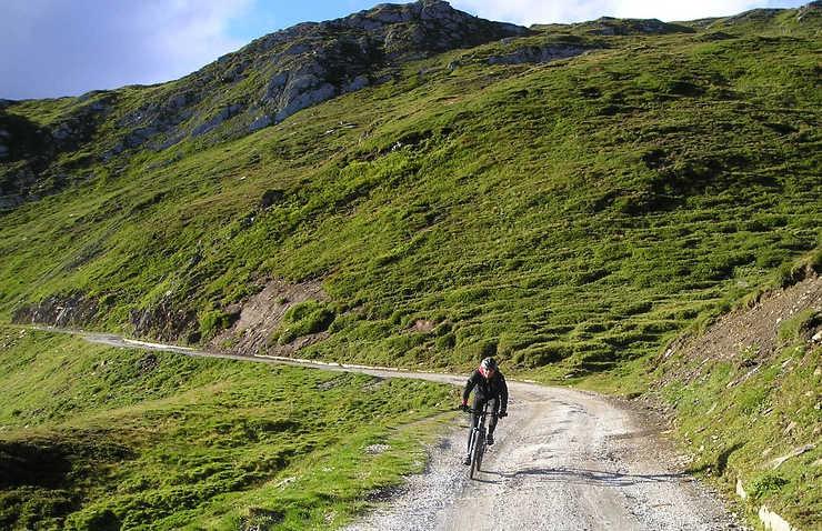 Przez pasmo Karpat na rowerze